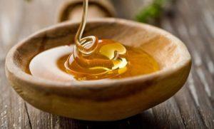 Мед и гиалуроновой кислотой
