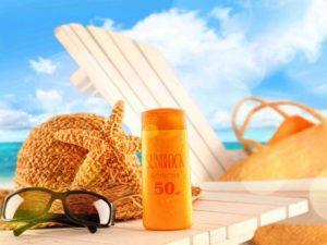 Солнечные очки и средство для загара